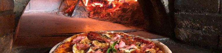 horno de leña en Emma y Julia pizzeria en la Cava Baja 19 en Madrid